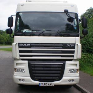 Стекло лобовое для грузовика Daf XF 95