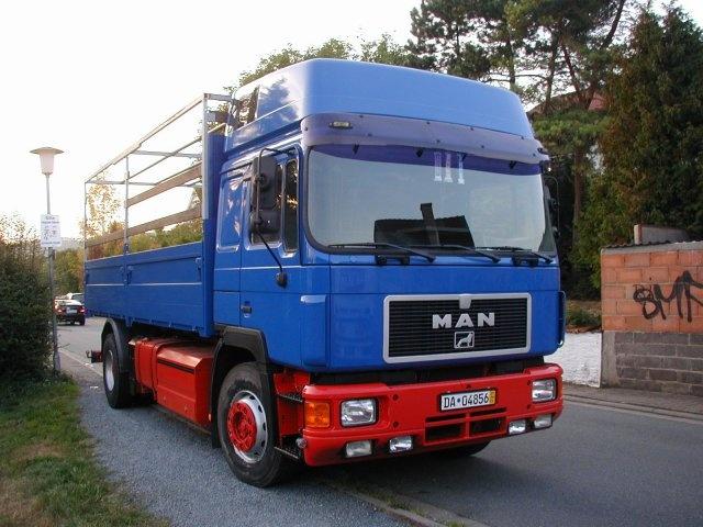 Стекло лобовое для грузовика Man F 150