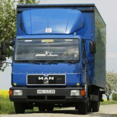 Стекло лобовое для грузовика Man L 2000