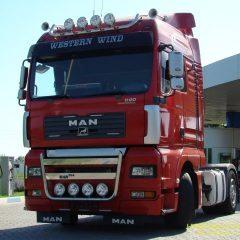 Стекло лобовое для грузовика Man TGA ХL
