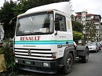 Стекло лобовое для грузовика Renault Major H 305-370