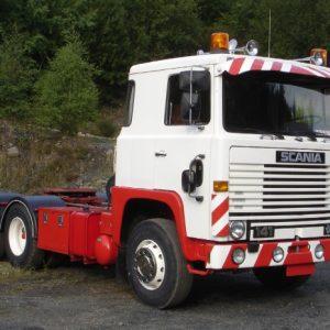 Стекло лобовое для грузовика Scania LB