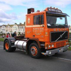 Стекло лобовое для грузовика Volvo F10, F12, F16