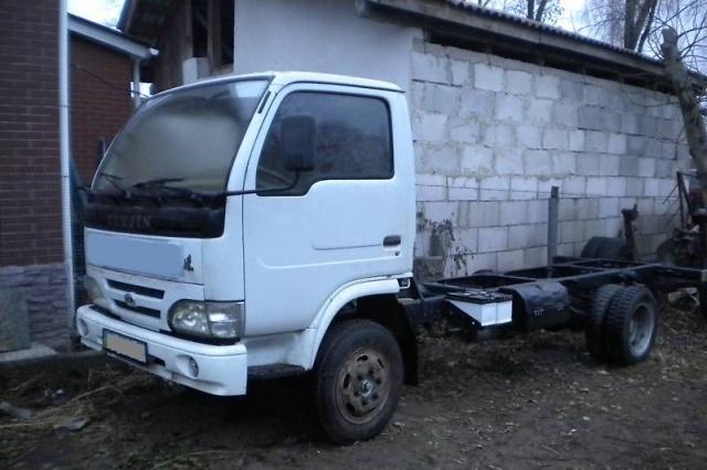 Стекло лобовое для грузовика Yuejin NJ 1028, 1020