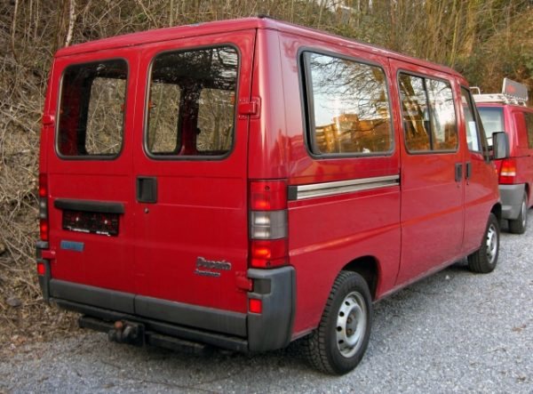 Стекло лобовое для микроавтобусов Fiat Duсato II 94