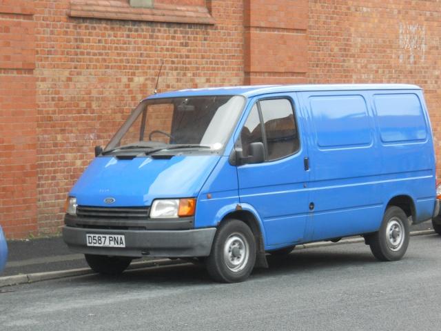 Стекло лобовое для микроавтобусов Ford Transit II 86