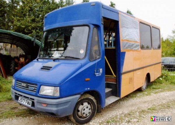 Стекло лобовое для микроавтобусов Iveco 49.10 Bus
