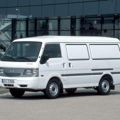 Стекло лобовое для микроавтобусов Mazda E-2000, 2200