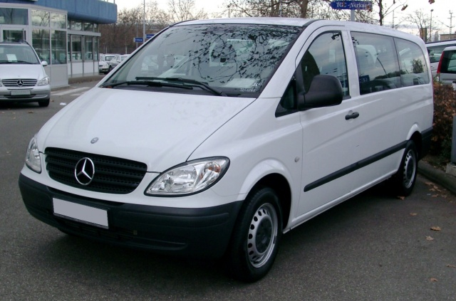 Стекло лобовое для микроавтобусов Mercedes Vito, Viano (1996-2003)